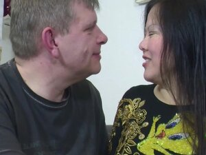 Thai Whore get fucked by German Tourist without