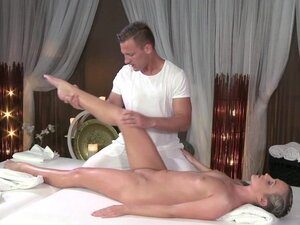 Massage Rooms Flexible blonde enjoys hard cock in