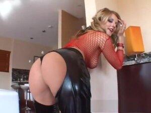 Best pornstars Sophie Dee and Lindsay Kay in