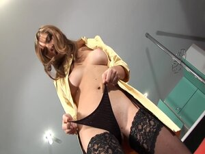 Magnificent Solo Model In A Sexy Thong Drilling