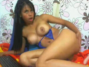 Webcam - young Colombian with perfect tits