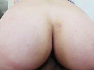 Big booty Latina Carmen Caliente gets fucked