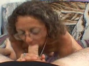 Candi the Mother I'd Like To Fuck receives Facial,