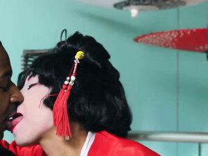 Asian Geisha Vivianna Gives Footjob And Rides