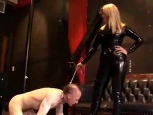 Mistress clad in Latex