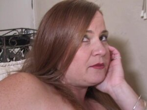 Fat girl in a sexy corset blows and bones the