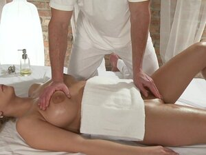 Massage Rooms Girls scream in ecstasy as G-spots