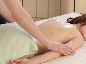 Nubiles-Porn: Sensual Oils, Sweet and sultry Julie