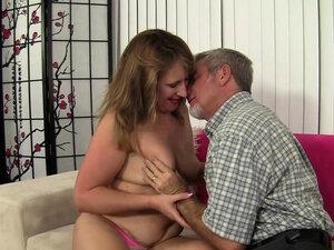 Mature Catrina Costa Rides an Old Dick