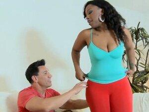 Sex with ebony babe is amazing