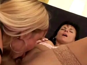 Old Lesbian Sluts Fingering And Licking Cunts