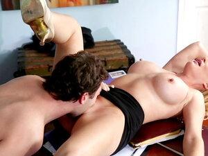 James Deen fuck with sexy blonde Jessica Best