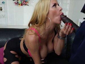 Redhead Tana Lea loves sucking Lexingtons 11 inch