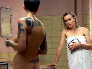 Taylor Schilling and Ruby Rose show some tits and
