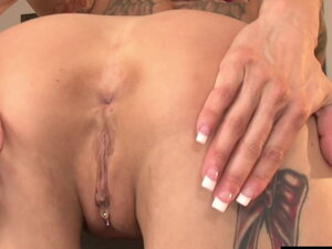 Short Haired Anna Bell Peaks Spreads Ass Cheeks