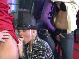 Horny pornstars Klarisa Leone, Kayla La Rouge and
