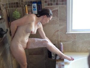 Rachel Shower and shave