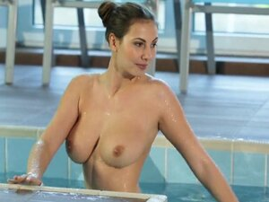 HD - Passion-HD Sexy Connie Carter skinny dips