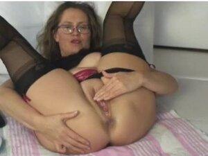 Olga Mature anal on cam