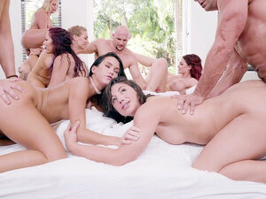 Gangbang orgy with famous pornstars - Abella