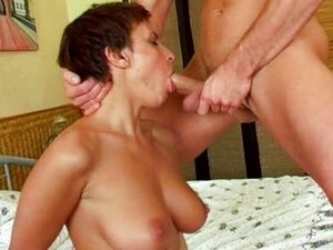 Short haired babe sucking dick