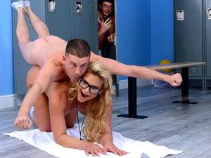Phoenix Marie & Tony Rubino in Ms Ballbreaker -