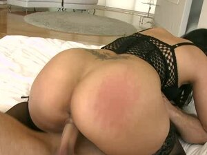 Stunning Asian Jessica Bangkok and big cock in her