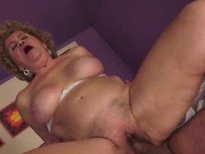 21Sextreme Video: The Love Guru, Leslie is a real