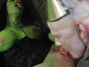 PARODY BROS - Fuck The Green Witch Fantasy Parody
