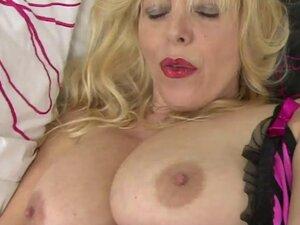Bigtit mature fucks her cock starved cunt