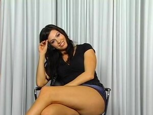 Roxy Deville, unique