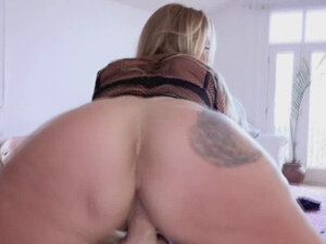 Mrs Cavalli wants a squirting cock in her ass