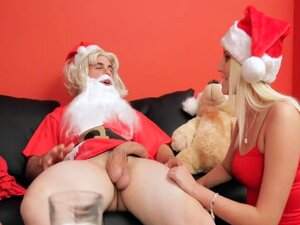 Sexy Skinny Vanessa Cage Gets Fucked By Thin Santa
