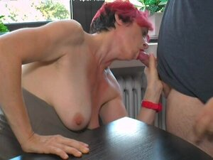 Amateur redhead mature gets her mouth and pussy