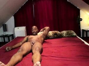 Erster Sex mit Schwarzen von MILF Nadja Summer