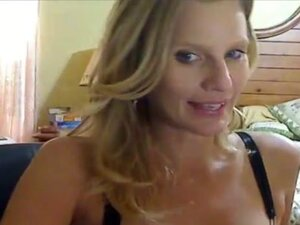 Awesome MILF Cam Show