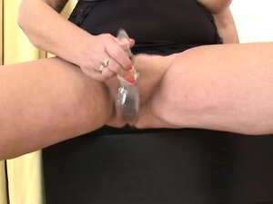Fat old sexy mature woman plays with long glass