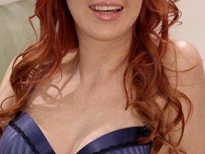 Hawt Redhead,