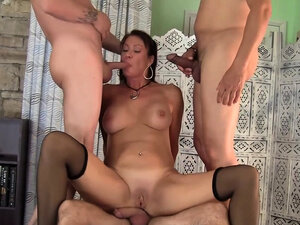Older Vanessa Videl Split Between 5 Guys