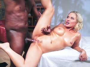 Jessica Ryan getting her trimmed twat nailed by