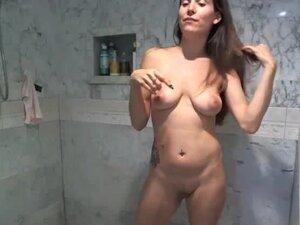 Striptease Poledancing Shower Show, I start out by