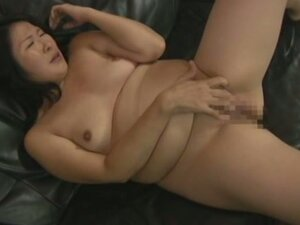Chubby Asian Gets A Creampie Inside Her Shaved