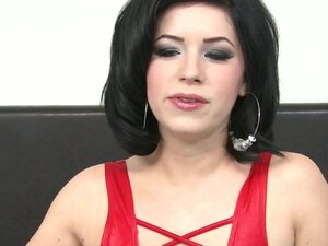 Big booty brunette slurps on a wiener