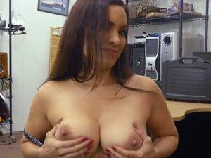 Naughty MILF Sophie Leon fucks pawnmans cock for