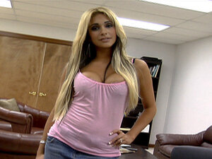 Rubbing My Fanny On The Boss's Desk, Carmel flew