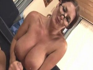 Bigtitted milf grinding pussy while jerking