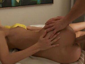 Breathtaking brunette hottie angelica enjoys sex