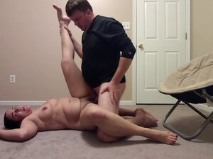 Amateur couple leaves party for some fucking in