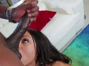 Pornstar idol gets her butthole nailed with hard