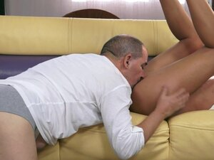 Jessy Tiger gets her pussy licked and fucked doggy